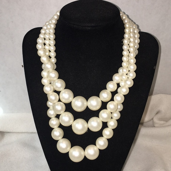 Jewelry - 5 sets of vintage bead necklaces.